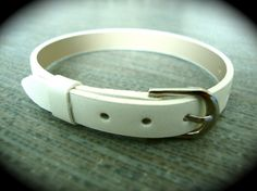 Yogi Bead White Buckle Basic Bracelet