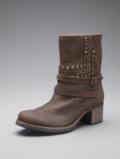 Vince Camuto Shoes  Donato Boot