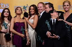 MODERN FAMILY (2013) SAG AWARDS, Outstanding Performance by an Ensemble in a Comedy Series