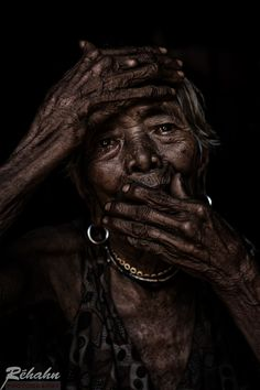 Dramatic portrait of old Vietnamese woman, 101 years old. By Réhahn Photography