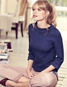 Relax today in a pair of khakis, a three-quarter sleeve sweater and pointy flats.