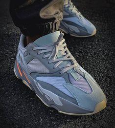 de6d8b40e9ce Adidas Yeezy Boost 700