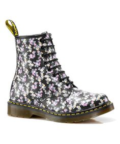 So excited for my boots to come in. I've been wanting this for a while now. :D