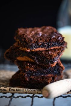 Milk chocolate brownies - Ida Gran Jansen Fudgy Brownies, Chocolate Brownies, Nom Nom, Milk, Desserts, Recipes, Food, Chocolate Chip Brownies, Tailgate Desserts
