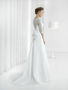 Unique and elegant! evergreen sleeves bridal gown!