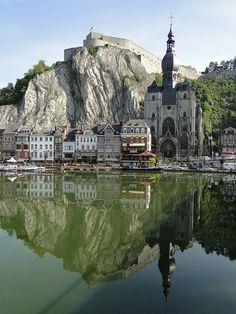 Meuse river reflections, Dinant / Belgium (by ingi52).