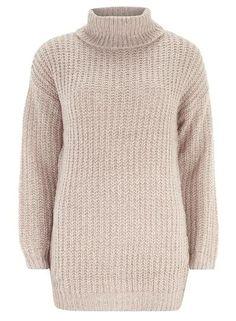 dress like a fashion editor on a budget - oversized turtleneck sweater