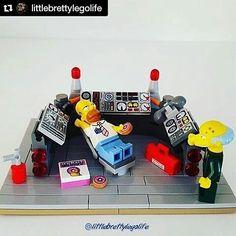 "#Repost @littlebrettylegolife with @repostapp  How I feel about work on a Monday. ""SIMPSON!!"" - Mr Burns #lego #legominifigures #mocs #legostagram #instalego #legophotography #toystagram #toys #toyslagram_lego #legoaddict #legoclub #legoaddiction #brick #bricknetwork #brickcentral #afolclub #afol #minifig #minifigures #legogram  #lazy #lazyday #donuts #simpsons #boss #legocolecionadores #homersimpson #thesimpsons #legosimpsons by legocolecionadores"