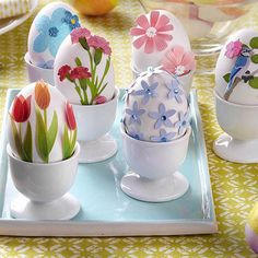 Flower Garden Easter Eggs Mimic springtime flowers with this fun tabletop garden. Use leftover scrapbooking stickers to decorate your Easter eggs, then display in egg cups. This project is as easy as peel and stick! Easter Egg Dye, Coloring Easter Eggs, Easter Crafts, Holiday Crafts, Egg Crafts, Haft Seen, 3d Sticker, Easter Egg Designs, About Easter