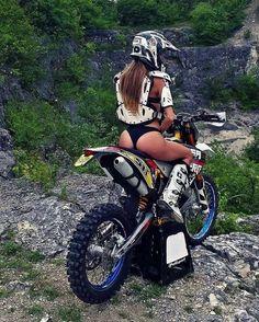 Beautiful girls And Bikes: Can It Get Any sexy? Dirt Bike Girl, Lady Biker, Biker Girl, Trail Moto, Moto Enduro, Motard Sexy, Motocross Girls, Moto Cross, Motorbike Girl