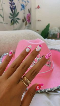 Acrylic Nails Coffin Short, Simple Acrylic Nails, Summer Acrylic Nails, Best Acrylic Nails, Acrylic Nail Designs, Simple Nails, Pink Summer Nails, Bright Pink Nails, Colorful Nails