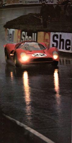 """""""Ferrari"""" Chris Amon (Ferrari P4) Essais des 24 heures du Mans 1967 -L'Automobile Octobre 1972 -"""