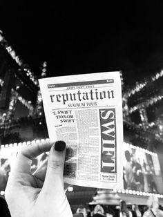 New pop art music taylor swift Ideas Taylor Swift Posters, Taylor Swift Quotes, Taylor Swift Pictures, Taylor Lyrics, Long Live Taylor Swift, Taylor Swift Album, Taylor Alison Swift, Taylor Swift Tickets, Taylor Swift Wallpaper