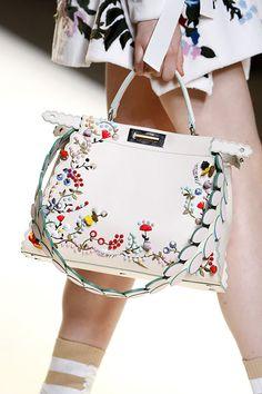 Do modelo Future da Gucci à mochila com tapete de ioga acoplado da Margiela, veja as bolsas mais desejadas da temporada