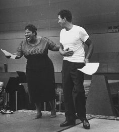 Dean Martin rehearsing with gospel singer Mahalia Jackson, 1958 Dean Martin, Jazz, Mahalia Jackson, Thing 1, My Black Is Beautiful, Hollywood Stars, Hollywood Glamour, My People, Musical
