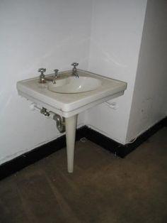 1920s peg leg sink
