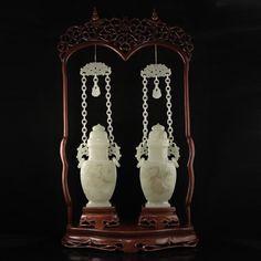 A Pair Chinese Hetian Jade Low Relief Braced Chain Vase 一對中國清代 和田玉淺浮雕雙環懸鏈龍鳳花瓶