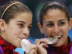 Medalla de plata para México: Paola Espinosa y Alejandra Orozco. ¡Felicidades!