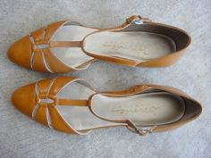 Love these vintage shoes!!