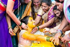 An extremely significant ritual in not only Hindu weddings but also for other religions, the haldi ceremony is one of the important pre-wedding rituals.