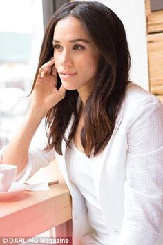 Meghan Markle on Why 'Being Enough' Changed Everything - Darling Magazine Prince Harry And Megan, Harry And Meghan, Prince Henry, Princesa Diana, Sussex, Meghan Markle Style, Meghan Markle Hair, Princess Meghan, Foto Art