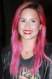 Demi Lovato Debuts Bright Pink Hair