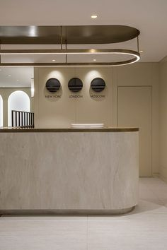 Modern Design and Living - Lobby decor always need a luxurious suspension lamp. Discover more luxurious interior design details - Lobby Interior, Cafe Interior, Office Interior Design, Luxury Interior Design, Office Interiors, Office Designs, Brewery Interior, Interior Designing, Kitchen Interior