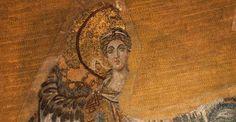 Apsisdeki İki Melek | Ayasofya Müzesi-Apsis kemerinin sağında Cebrail (Gabriel), solunda ise Mikail (Mikhael) mozaiği bulunmaktadır. Günümüzde Mikail (Mikhael) tasvirinin sadece kanat ucu ve ayağının bir kısmı görülebilmektedir. Mozaik tasvirler 9. yüzyılın ikinci yarısına tarihlenmektedir.