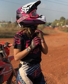 A girl can also have talent! Motocross Girls, Motocross Gear, Triumph Motorcycles, Indian Motorcycles, Custom Motorcycles, Motorcross Bike, Motorbike Girl, Lady Biker, Biker Girl