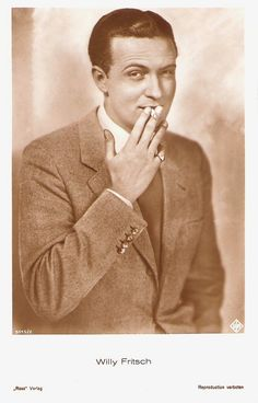 German postcard by Ross Verlag, nr. 5115/1, 1930-1931. Photo: Ufa.  Willy Fritsch (1901-1973 ) was the immensely popular 'Sunny Boy' of the Ufa operettas of the 1930's and 1940's.  For more postcards, a bio and clips check out our blog European Film Star Postcards.