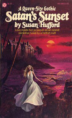 A Queen Size Gothic Vintage Gothic, Vintage Horror, Romance Novel Covers, Romance Novels, Archie Comics, Gothic Books, Vintage Book Covers, Horror Books, Gothic Horror