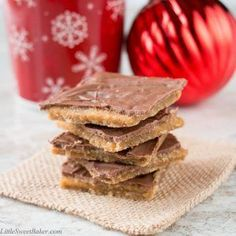 This toffee candy is chocolatey, crispy and highly addictive! That's why it's popularly known as Christmas Crack.