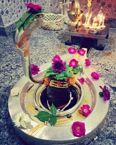 Om Namah Shivaya Durga Maa, Shiva Shakti, Jai Ganesh, Shiv Ji, Lord Shiva Family, Radha Krishna Images, Om Namah Shivaya, Indian Gods, Gods And Goddesses