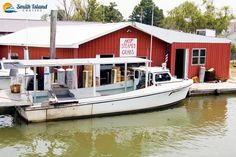 Hot steamed crabs and boating cruises around Smith Island.