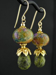 Details about  /green white heishi COPPER earring LEVERBACK artisan