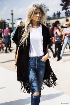 Mais do estilo Sarah Harris Sarah Harris, Street Style Trends, Look Street Style, Outfit Essentials, Hippie Look, Rocker Chic, Look Fashion, Fashion Outfits, Fashion Trends