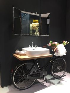 Bathroom with personality - recycle an old bike