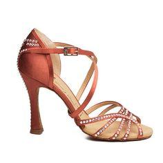 Reina Danza - todo para el baile. Reina Dance Shoes. Zapatos de Salsa, Tango, Baile de salon, Latino, Estandard. Adrian&Anita.