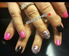 #gelpolish#pinkandblack#animalprint