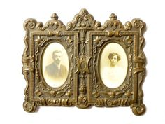 Antique picture frame double embossed metal Victorian Napoleon Victorian Picture Frames, Victorian Frame, Vintage Photo Frames, Victorian Pictures, Porte Photo Mural, Cadre Photo Mural, Support Photo, Images Victoriennes, Double Photo Frame