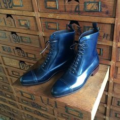 Carmina Shoemaker Balmoral boot style 80092 in Navy shell Cordovan on the Forest last (personal collection)