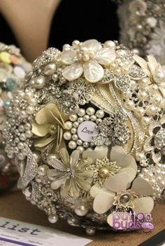 This #broochbouquet is #stunning and it could be all yours as its #forsale! Don't miss out on this #amazing piece #ladies!!  #alternativebouquet #stunning #brooches #sparkles #alternative #wedding #bride #instaweddings #handmade #love #weddingparty #celebration  #bridesmaids #happiness #unforgettable #forever #ceremony #romance #marriage #weddingday #broochbouquets #flowers #pearls   www.nicsbuttonbuds.com.au www.facebook.com/nicsbuttonbuds www.pinterest.com/nicsbuttonbuds…
