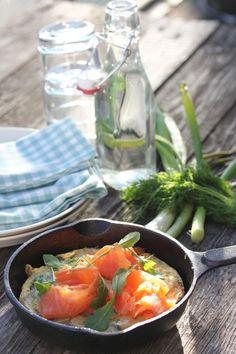 pinaattifritatta salmón para el desayuno del domingo desde Finlandia