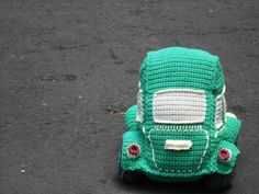 Pattern Beetle car amigurumi. By Caloca Crochet door CalocaCrochet