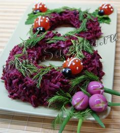 Decorating ideas salads for March 8 - Идеи украшения салатов к 8 марта / Едальня Culinary Arts, Christmas Wreaths, Brunch, Food And Drink, Holiday Decor, Home Decor, Table, Party, Food Recipes