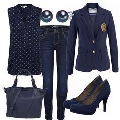 Tolles Businessoutfit aus blauer BLuse mit Print, Jeans und blauen Tamaris Pumps...#fashion #fashionista #mode #damenmode #frauenmode #damenoutfit #frauenoutfit #outfit #inspiration #outfitinspiration #kleidung #klamotten #frühling #sommer #trend2018 #trend