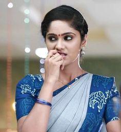 Bridal Hair Buns, Indian Natural Beauty, Beautiful Women, Beautiful Saree, Most Beautiful Indian Actress, South Indian Actress, India Beauty, Bun Hairstyles, Woman Face