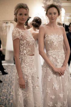 Encajes y croptops siguen de súper moda para el 2016. #Wedding #Trends