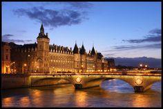 Paris: the Palais de Justice