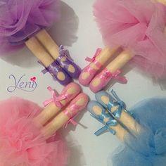 Amo pensarlas amo diseñarlas amo crearlas   I love to think them I love to design them I love to create them  #ILoveyenidolls  #hechoamano #hechoconamor #hechoenchile #hechoenvenezuela #chile #venezuela #plush #doll #ballerina #bailarina #fieltro #polar #handycraft #candybar #muñecos #monitos #byyeni #yenidolls #hechoenchile #chile #doll #artesana #dollmaker #handmadedoll #zapatos #venezolanosenchile  #thepatternhub